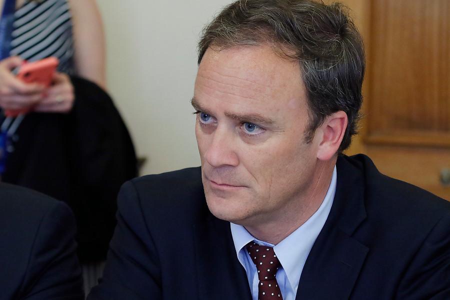 Ministro Ward por llamado a la prescindencia de Piñera: Se han abierto algunos en la curvabit.ly/39DM8DF