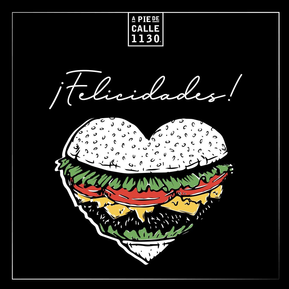 ¡No hay amor más grande, que el amor hacia la comida! ¡Feliz día!  #ValentinesDay #14febrero #DiaDelAmorYLaAmistad #DondeComer #APieDeCalle #CDMX #ZonaSur #OlivarDeLosPadres #AvToluca1130 #2X1 #BBQ #Alitas #Paninis #Hamburguesas #Costillas #Ensaladas #UberEats
