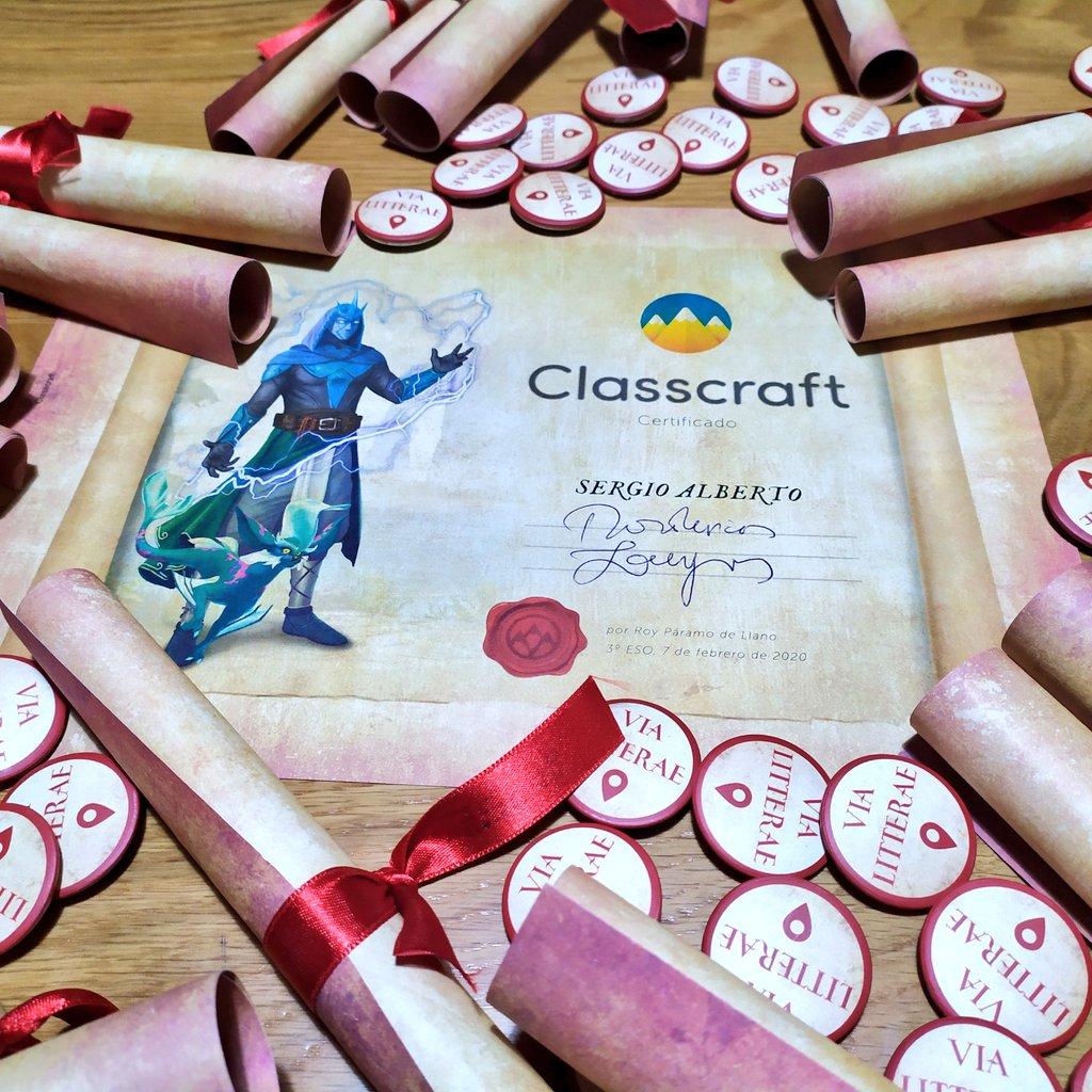¡Hoy termina nuestro proyecto #abpvialitterae de Literatura con la entrega de Diplomas de @classcraftgame y las últimas chapas - insignias! Han sido 18 semanas, 6 misiones y 36 objetivos inolvidables. ¡Gracias por vuestro esfuerzo, compromiso y dedicación! @colemilagrosa https://t.co/b151hOsCt2