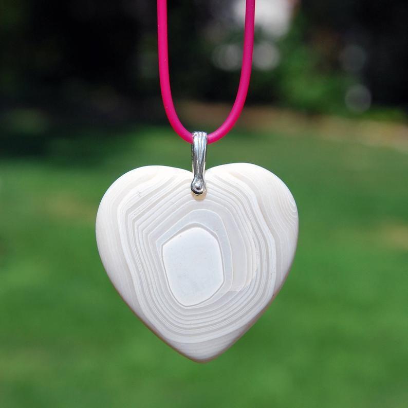 #freeshipping #freeship #love #heartpendant #BandedOnyx #onyx #agate #heart #handmadejewelry #prettyinpink #etsyhandmade #etsysocial #etsymntt #pendant #boho #bohochic #etsy  @Etsy #etsyvalentine #valentine #valentinegift #valentine2020 #valentine $25