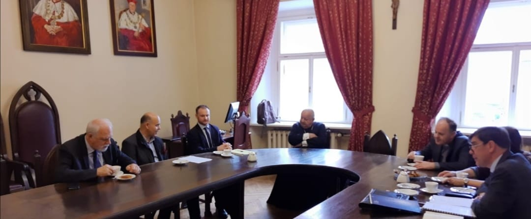 @ComeceEu and its partners met today with @JanOlbrycht and Card. Dziwisz in the context of a preparatory meeting in view of the 20th edition of the Krakow International Conference on the role of the #CatholicChurch in the #EUintegration project. pic.twitter.com/4XCTME06I0