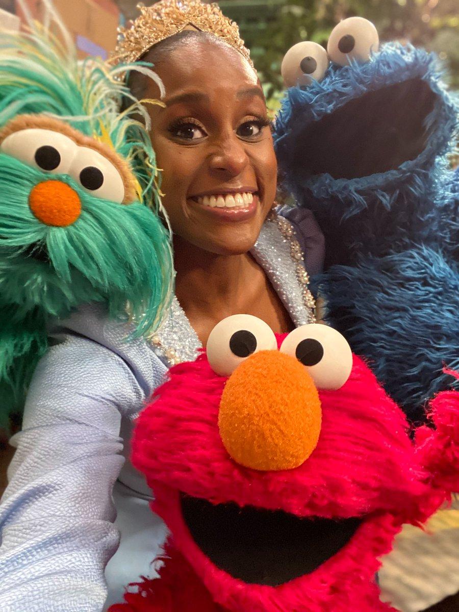 Saturdays call for selfies on Sesame Street with @IssaRae! #Season51
