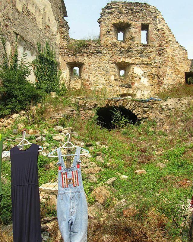 Un jour en Aveyron. #village #old #castle #life #Occitanie #LifeStyleMode #tous_en_aveyron #home #instamoment #tous_en_aveyron #aveyronvivrevrai #walking #balade #tourist #enfranceaussi #jaimemaregion #southoffrance #chillpic.twitter.com/T4DHLCacYE