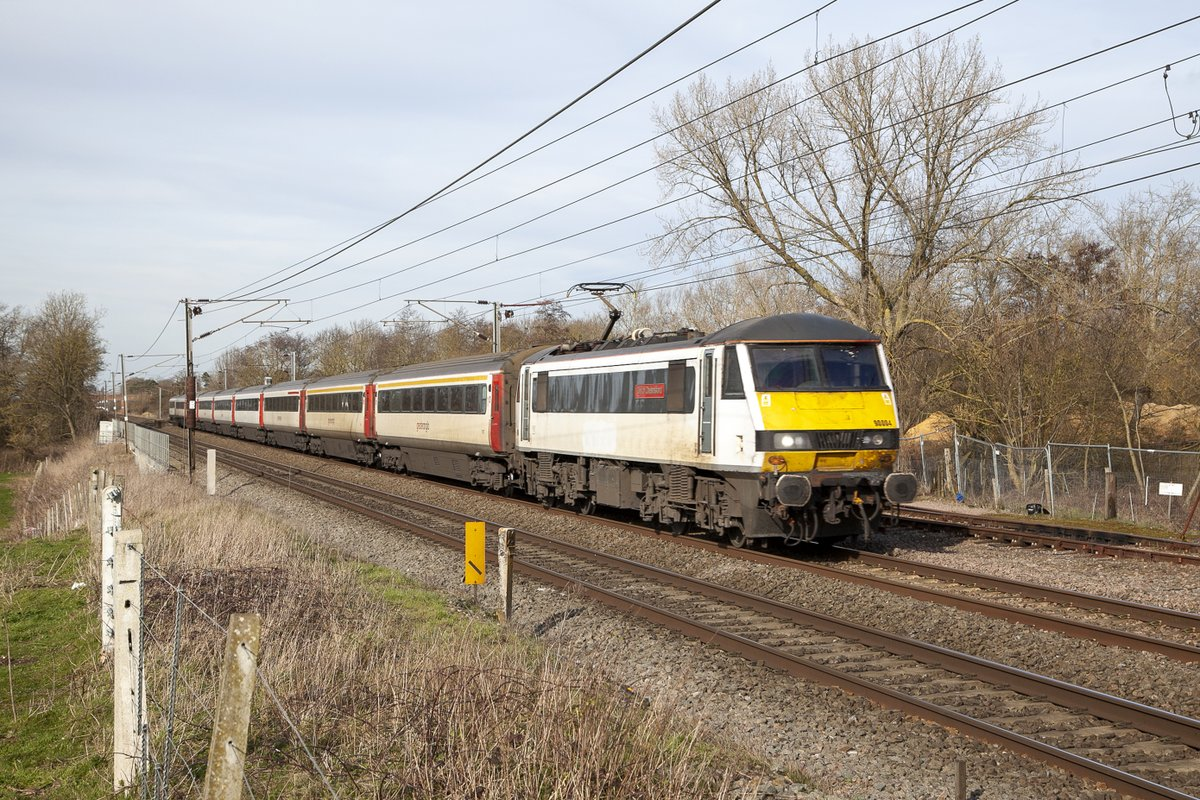 GA Class 90 No.90004 City of Chelmsford at Barham working 1P35 12:00 Norwich-Liverpool Street on 14th February 2020.  #class90<br>http://pic.twitter.com/KHSad6p6wk