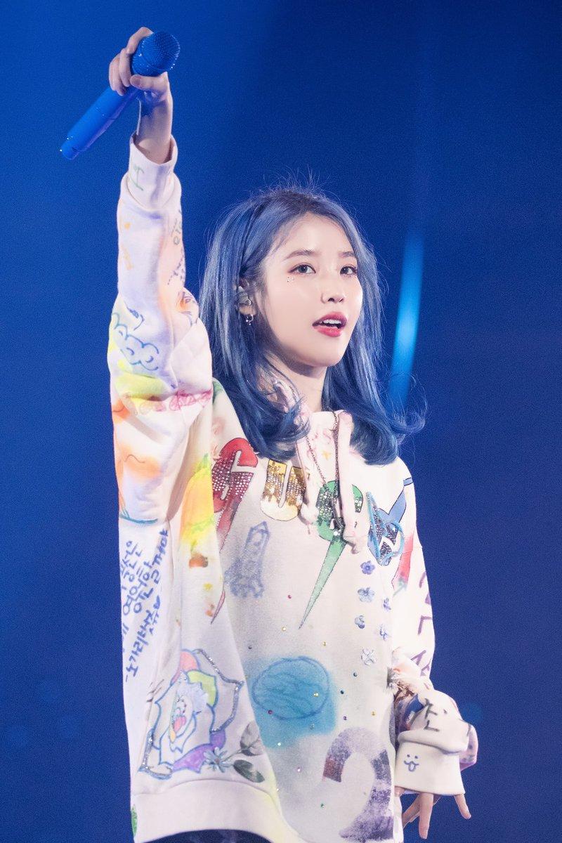 Female Soloists Highest 1st Day Sales on Hanteo:  1. IU - Love Poem 125,388  2. Taeyeon - Purpose  96,749  3. Moonbyul - Dark Side of the Moon 59,342 [NEW] <br>http://pic.twitter.com/A6G5BlotwN