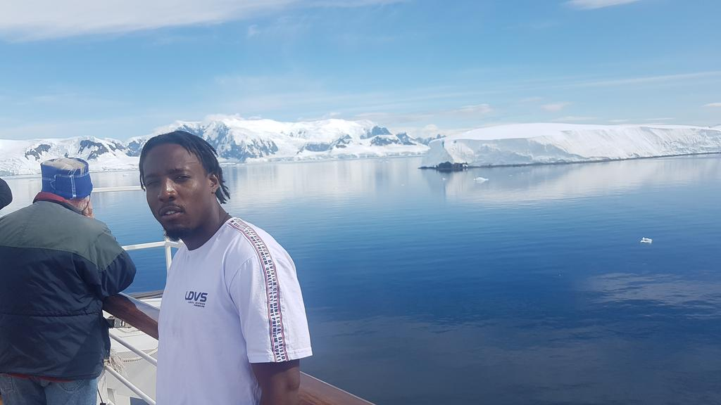 couple days ago in the Antartica.. i could actually wear a t shirt!!