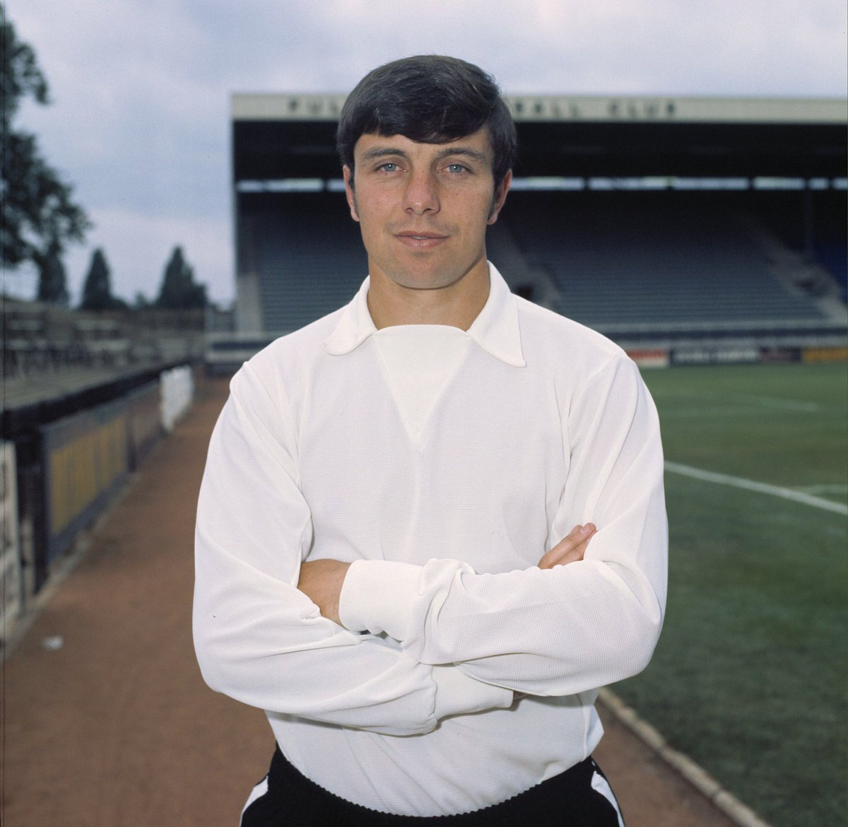 Awful news that former @FulhamFC player Jimmy Conway has passed away. Jimmy made 360 appearances for the club over ten years & played in the 1975 FA Cup final. Our condolences to his family. At the Cottage tomorrow, we'll pay tribute to a club legend revered by everyone at Fulham
