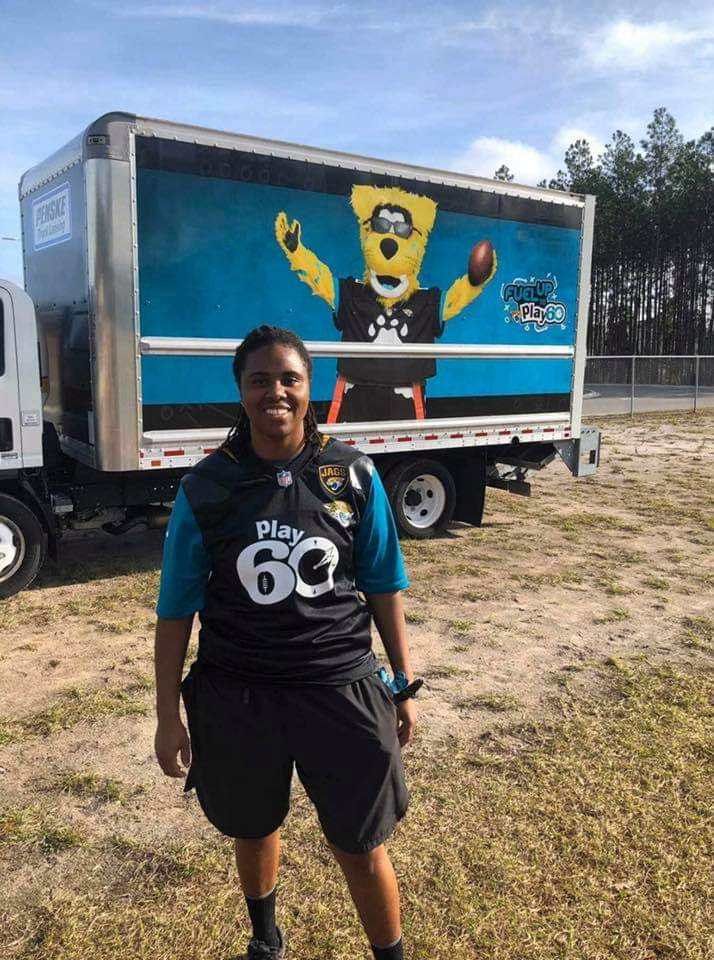 Always supporting our youth in the community! #Grindinghardforduval #JDB #WomensTackleFootball #FemaleFootball #LadyBallers #DuvalStandUp #SupportWomensSports #JacksonvilleJaguars pic.twitter.com/LQ1KG9I5Uu