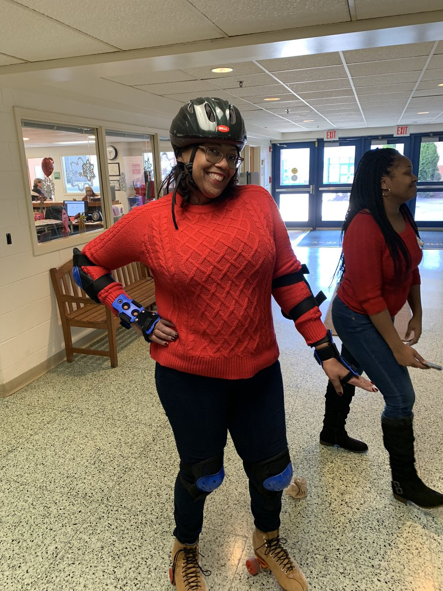 This is what makes Jamestown special!! Students and teachers had the pleasure of seeing <a target='_blank' href='http://twitter.com/monicaroache'>@monicaroache</a> roller skate around the gym and hallways to greet them during their Valentine's Day festivities <a target='_blank' href='https://t.co/jh3rdo9SJq'>https://t.co/jh3rdo9SJq</a>