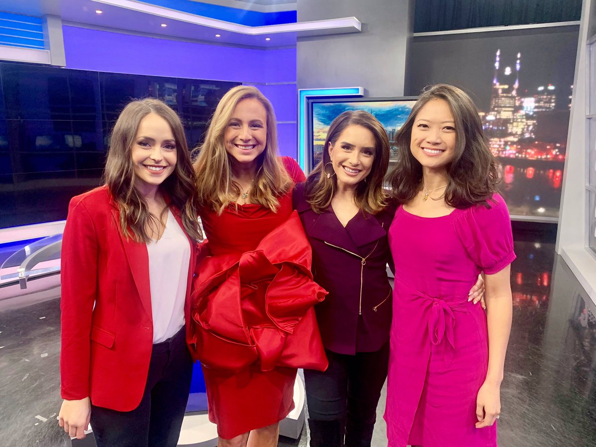 Did you know that #ValentinesDay is also #NationalDonorDay? #BeThe Gift and spread awareness by sharing a Big Red Bow like we are at @WKRN! ❤️🎁💜🎀 @EricaOnAir   Register to be an organ donor at: