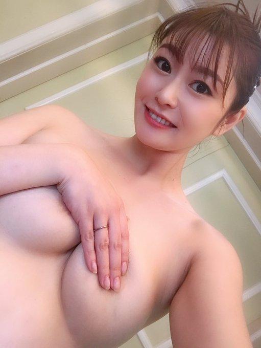 AV女優葵百合香のTwitter自撮りエロ画像55