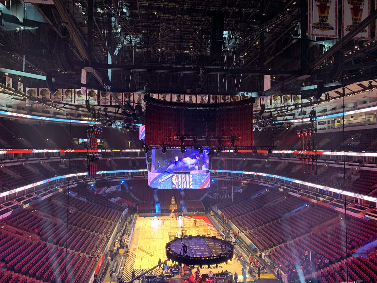 Frozen Chicago welcomes the 2020 NBA All-Star Game to the United Center. First time the city has hosted since 1988, and the first time the festivities are being held inside the United Center. @WBBMNewsradio #NBAAllStar2020 #Chicago #NBARisingStars