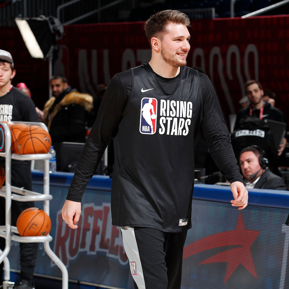 The 3 highest-priced players on @FanDuel for #NBARisingStars.  Luka Doncic - $15,500 Trae Young - $15,000 Zion Williamson - $13,500  Who are you taking as your MVP? 🤔