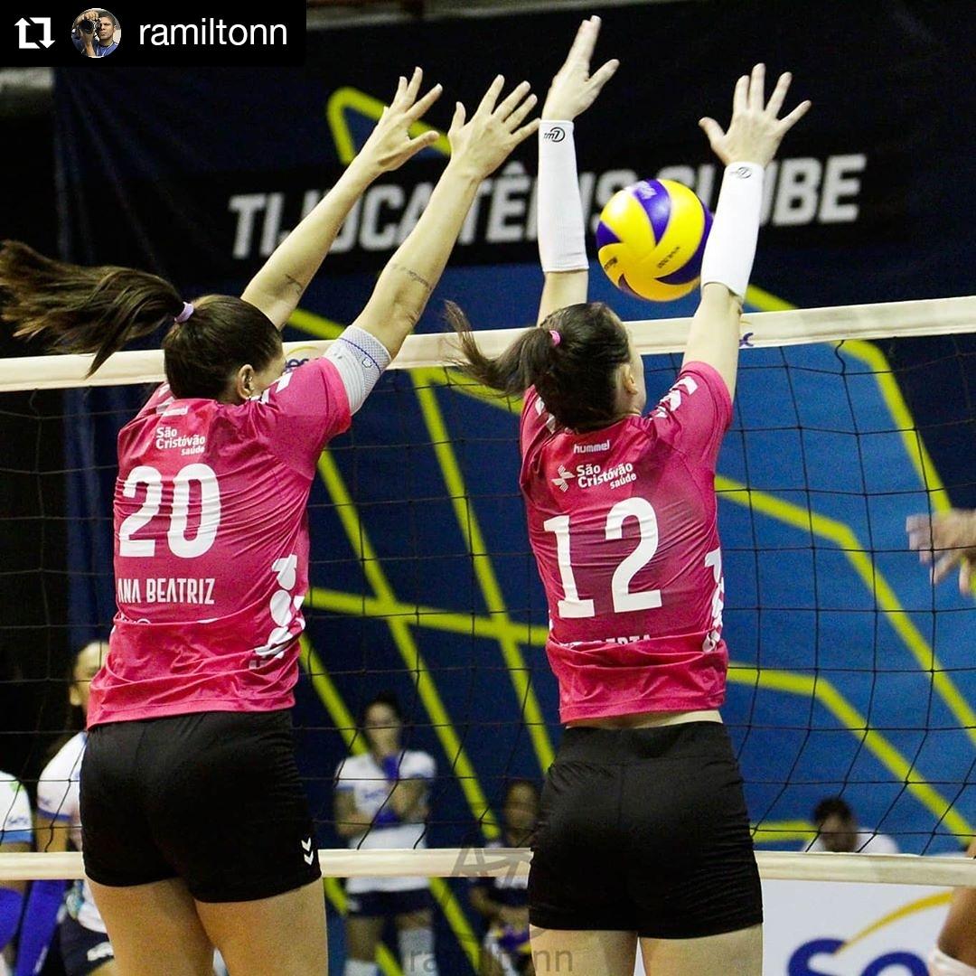 #Repost @ramiltonn • • • • • •  [ SESC RIO x OSASCO/AUDAX ]  TIJUCA  #campeonato #sp #game #jogo #superliga #volleyballplayer #volley #volleyball #volei #voleibrasil #fivb  #RiodeJaneiro #brasil  #juntossomosmaisqueumtime #sescrj #sescrio #Audax #Osasco #OsascoAudaxpic.twitter.com/QxR1pjtEvk