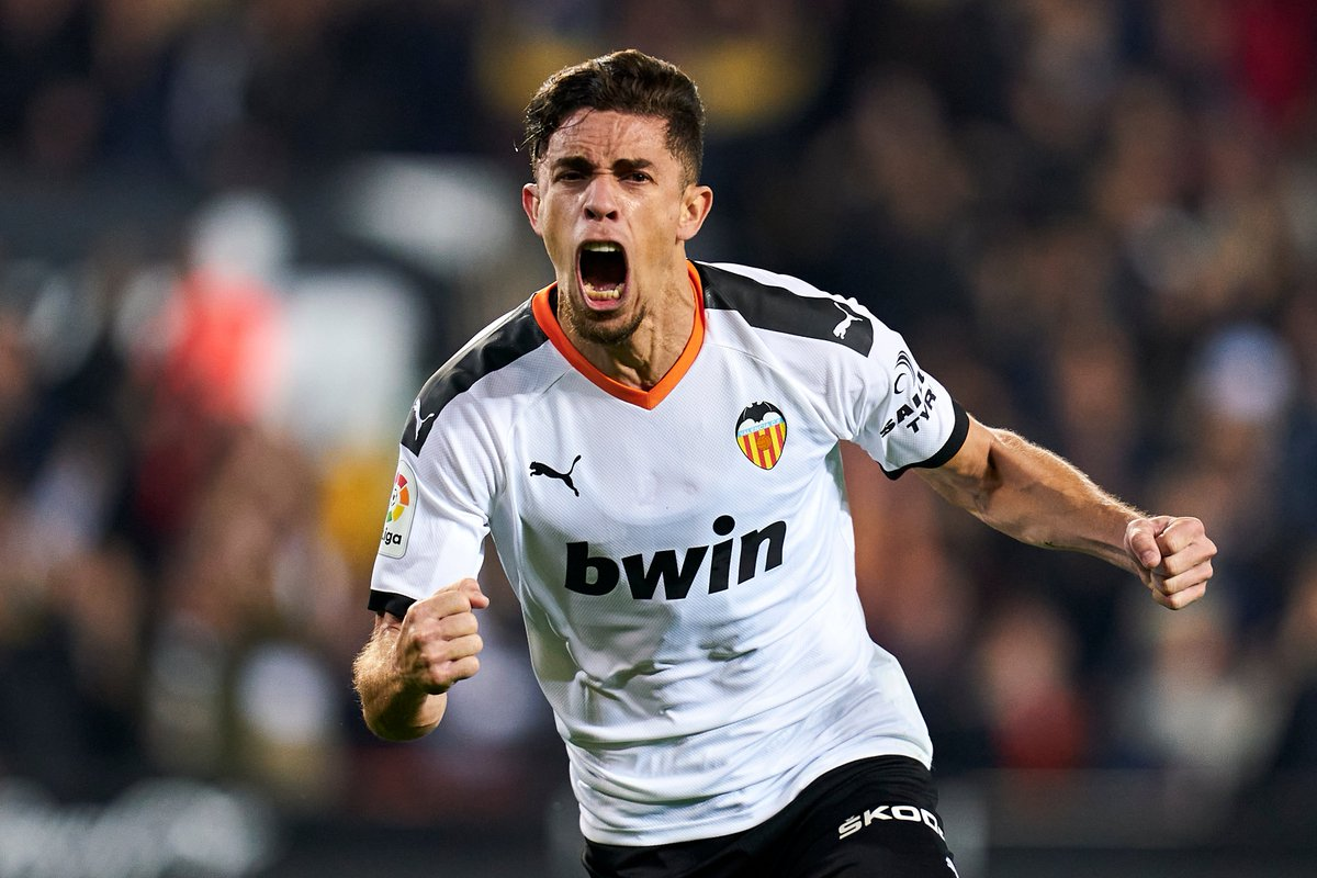 Valencia came from behind twice to draw 2-2 with fellow #UCL hopefuls Atlético Madrid.  Which of the two is most likely to win their respective round of 16 tie?