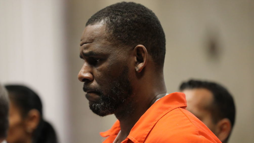r-kelly-faces-new-federal-charge-of-sexually-abusing-another-minor Photo