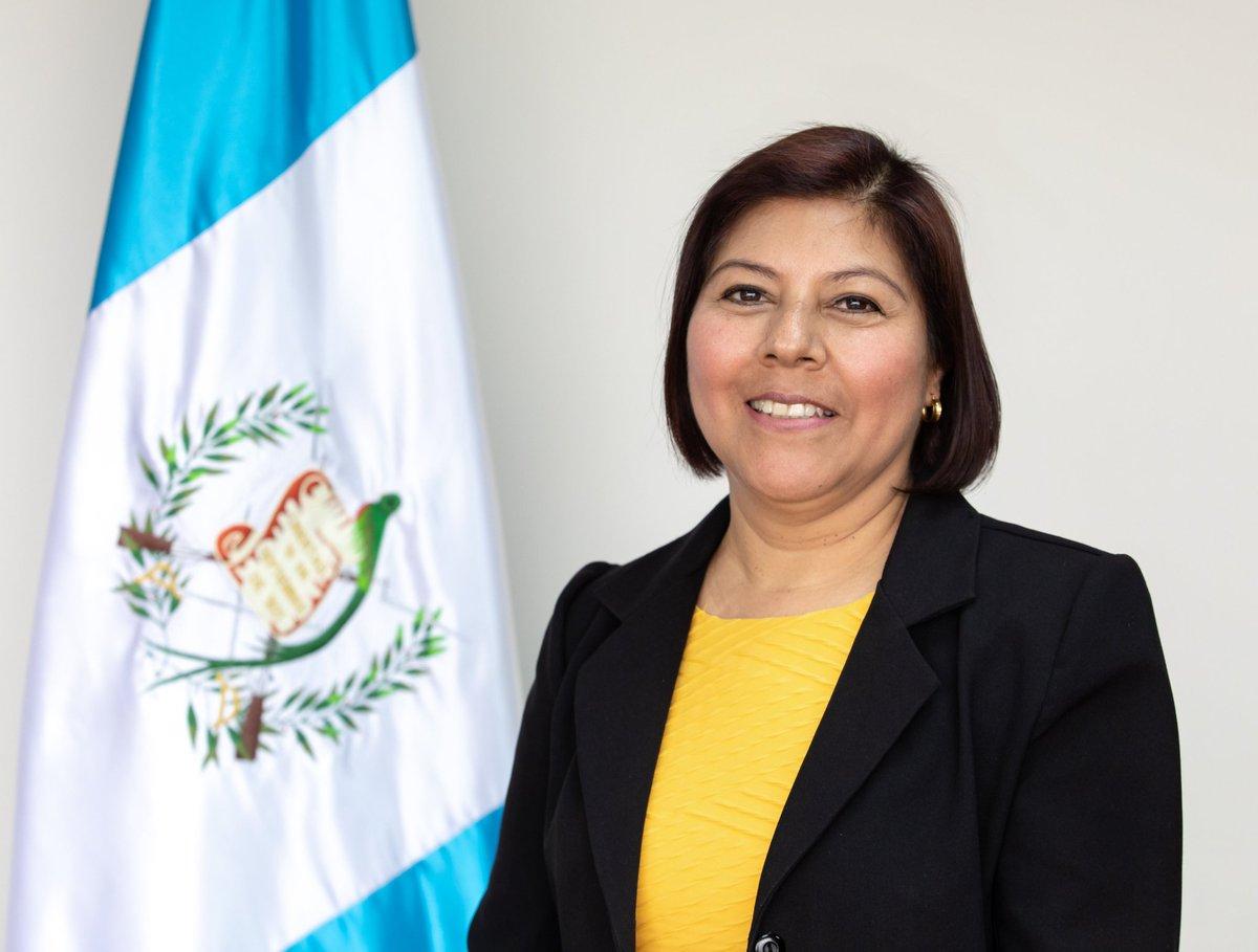 """Urías Gamarro در توییتر """"La economista Silvia Escobar Santos fue nombrada como directora de @Diaco. En años años anteriores ya ocupó el cargo. @prensa_libre @Economia_pl… https://t.co/0nqv7VrrDK"""""""
