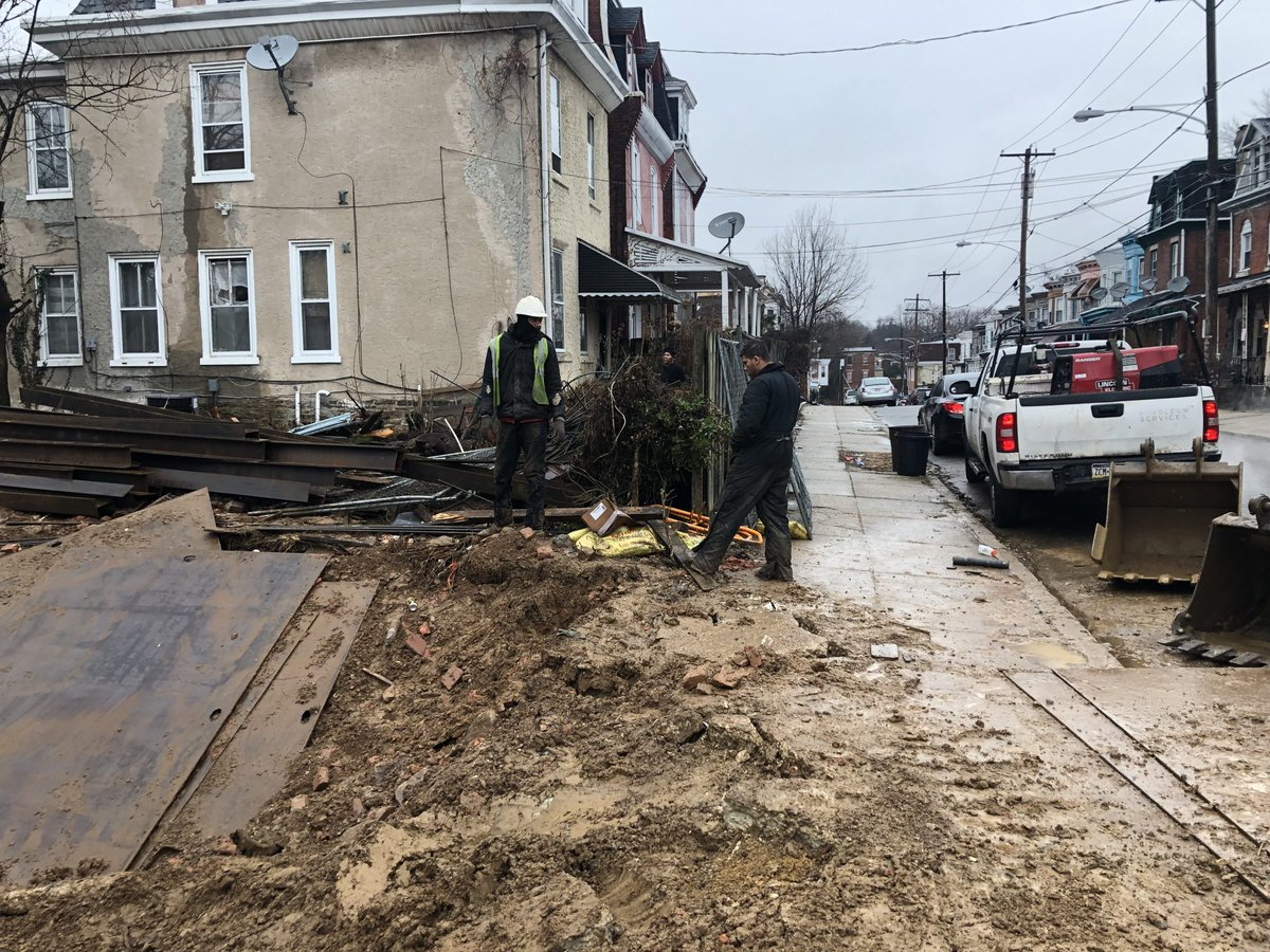 'I'm frightened': City to shut down dangerous digging in Philly yard dlvr.it/RQ3wSg