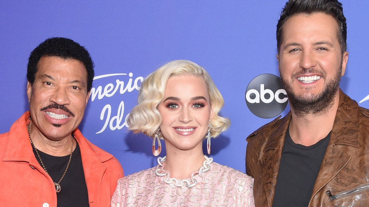 Judges @katyperry @LionelRichie @LukeBryanOnline & mentor @mrBobbyBones reveal behind the scene secrets from the set of @AmericanIdol!  Don't miss the new season premiering this Sunday 2/16 at 8/7c on ABC!