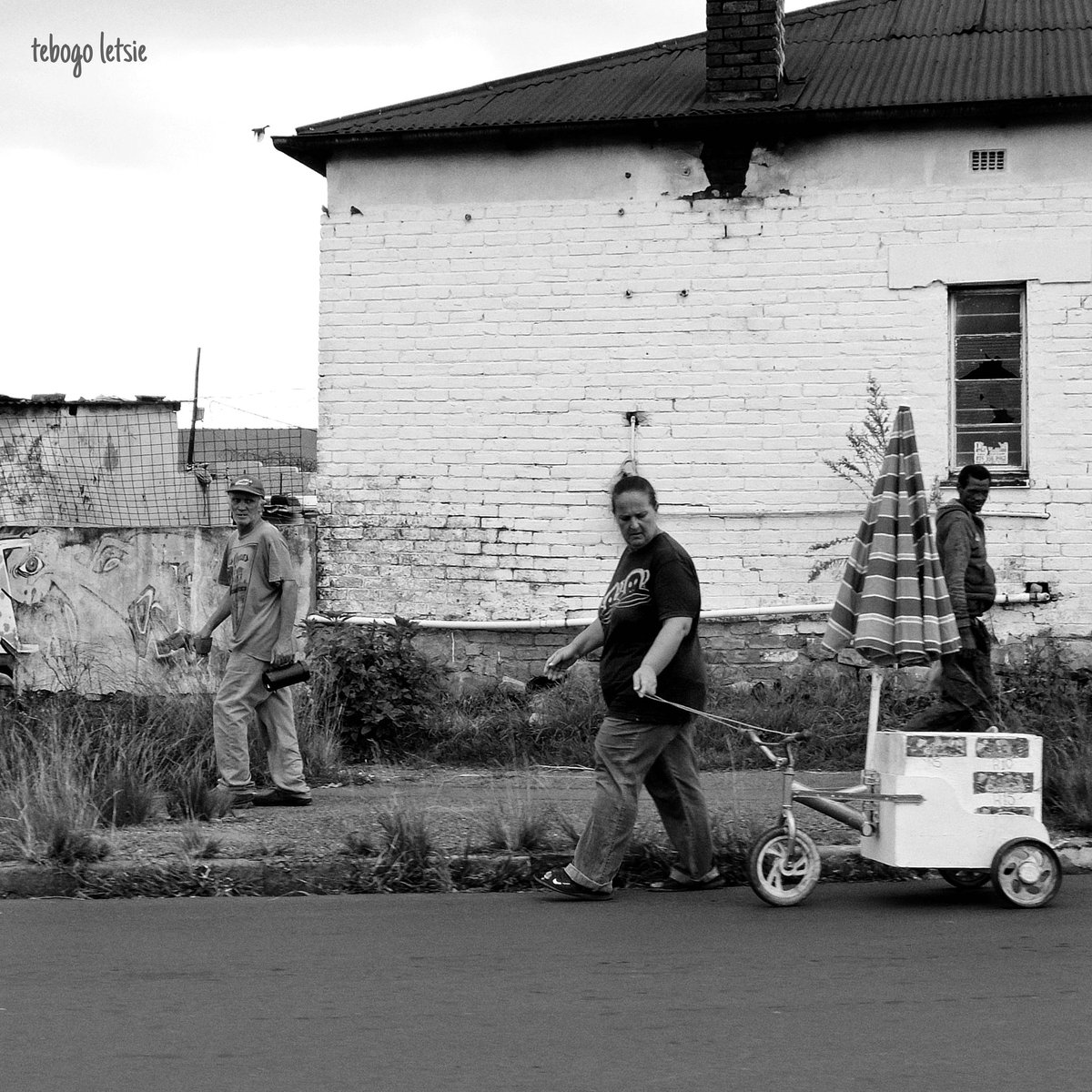 #streetphotography #blacknwhitephotography #photojournalism #southafricapostapartheidpic.twitter.com/p9NV5NC3ND