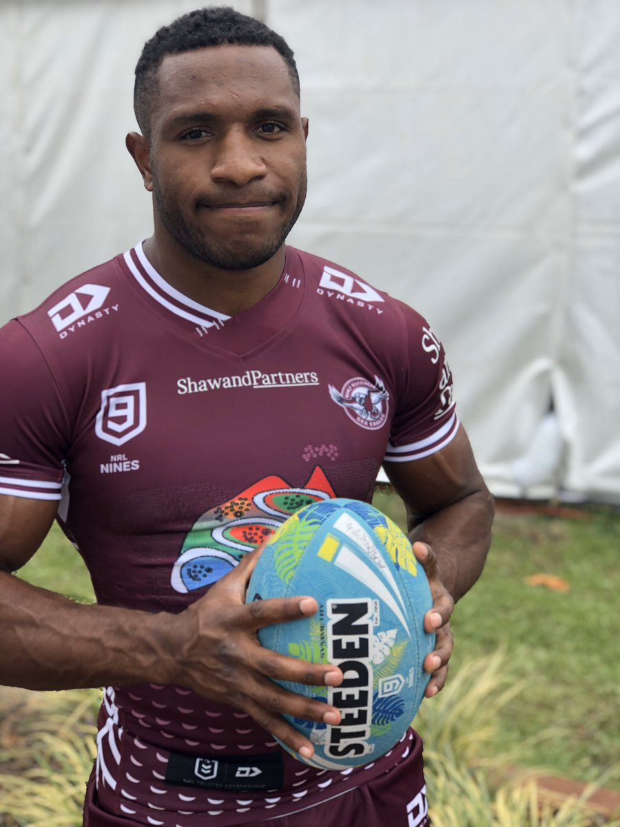 Our @PNGKumulsRL Test man Edwin Ipape looking good in the maroon and white #ManlyForever #NRL9spic.twitter.com/vDncmqEf44