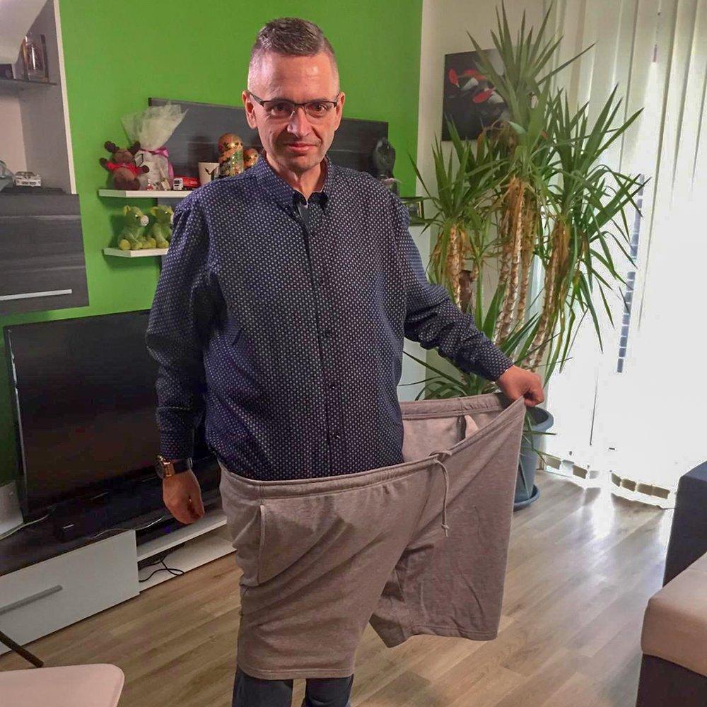 Das ist alles bei #AllesLiebe möglich: In den letzten 18 Monaten hat Josef knapp 100 Kilo abgenommen.  Nun ist er bereit für eine neue Liebe!  Du möchtest mit Josef durch dick und dünn gehen? Dann bewirb dich jetzt für ihn: http://bit.ly/3bw9Weu pic.twitter.com/9PJY4bl0lv