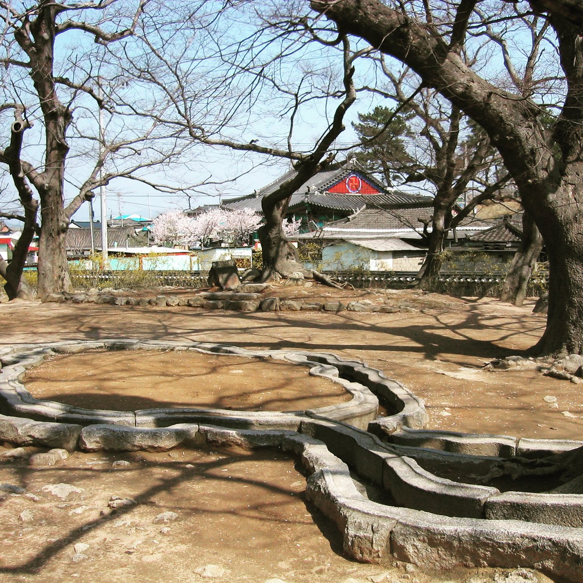 April 2, 2004 #gyeongju #SouthKorea #travelblog #travelblogger #travelbloggers #travelmemoir #southkoreatrip #backpacker #adventure #backpackerstory #backpackerlife #travelkorea #travelmemories #travelsinthelandofhunger #sillakingdom #poseokjeong #royalpavilion #unifiedsillapic.twitter.com/ysll3uAro6