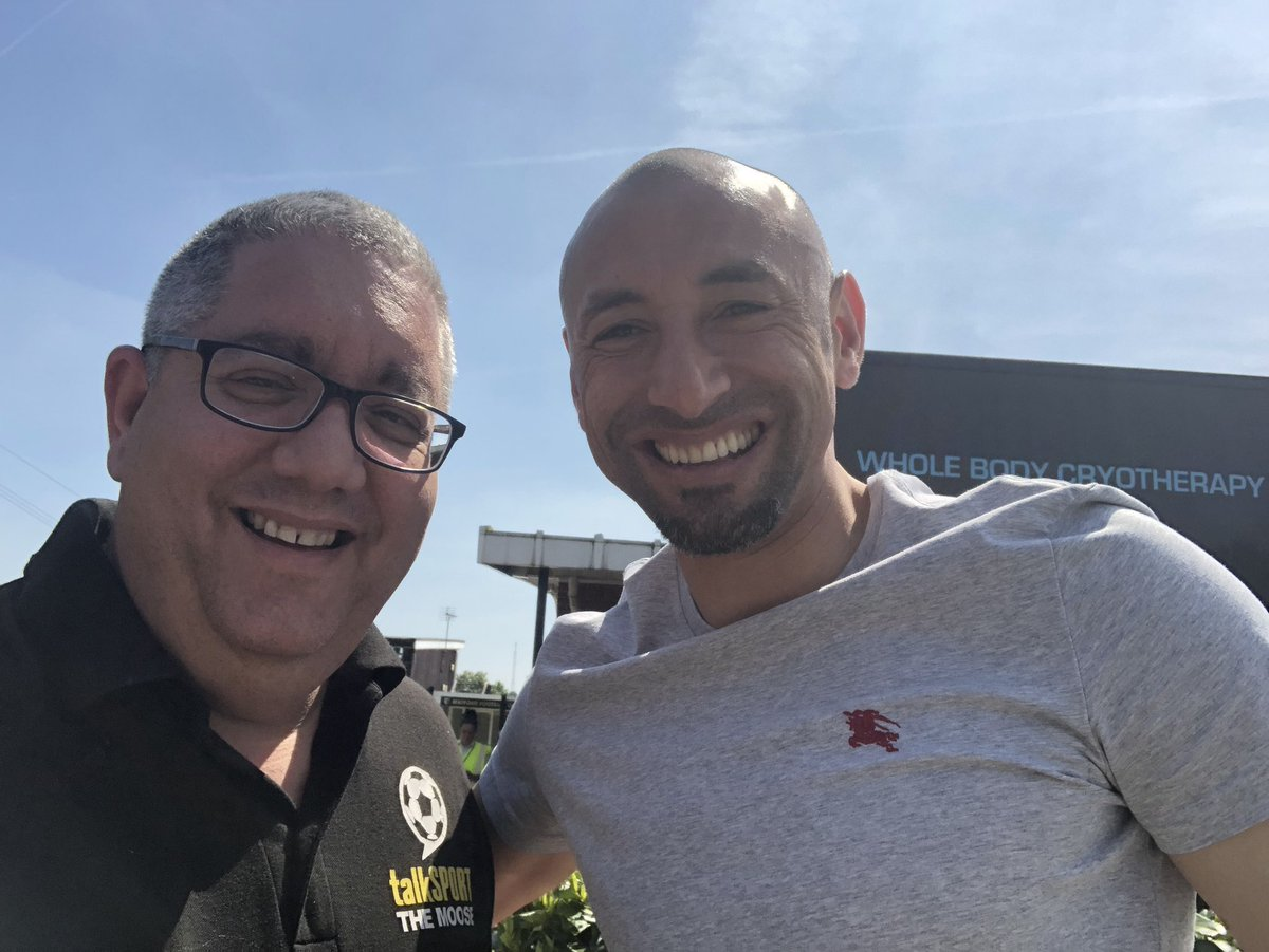 Happy 39th Birthday @WatfordFC goalkeeper @hdgomes have a great day my friend https://t.co/LGcjC9Udpd