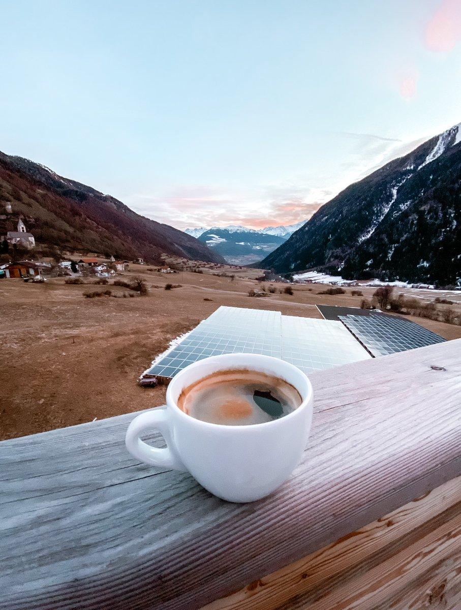 RT @SenileBooster: Kaffee mit Ausblick zum Start ins Wochenende! https://t.co/SBEEHbVPx7