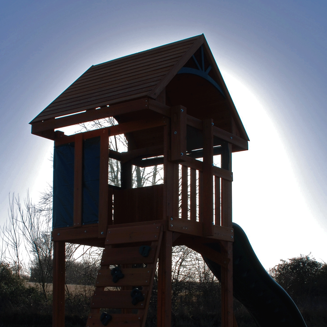 Crisp & cool mornings at the moment, but it's warming up and we'll be out in the garden to play soon!   You can now pre-order your wooden climbing frame for Spring/Summer delivery:    zero deposit  zero fees  zero interest  Visit http://www.selwood.com/pre-order/ pic.twitter.com/9uZLh4xYd7