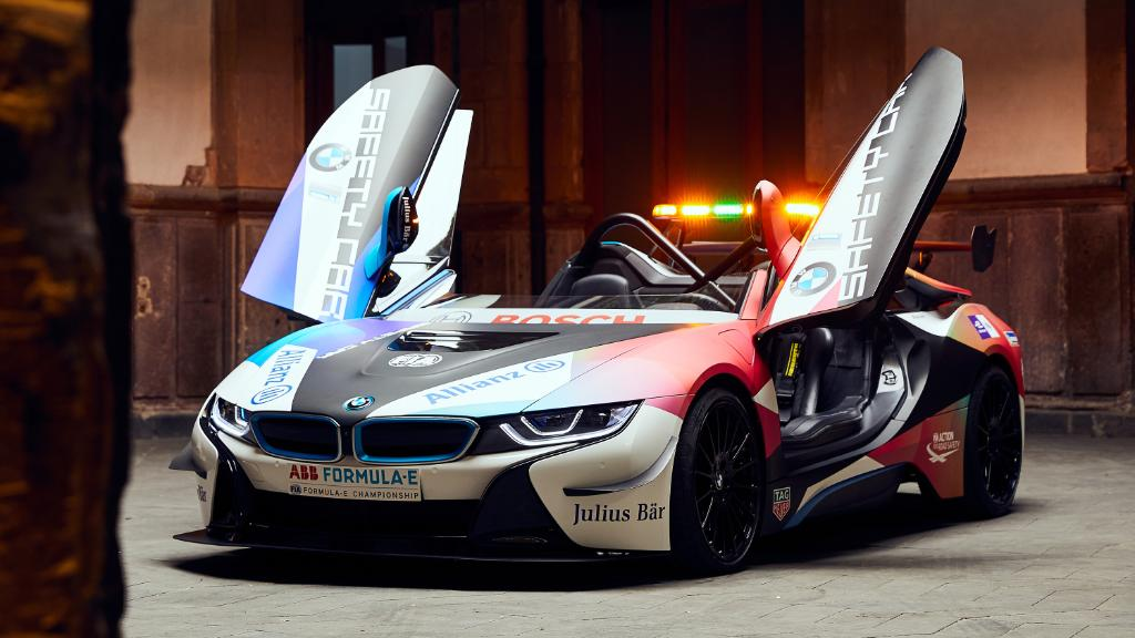 The new look of safety. The #BMW i8 Roadster safety car is debuting at the Formula E race in Mexico City. @FIAFormulaE  @BMWMotorsport   #THEi8