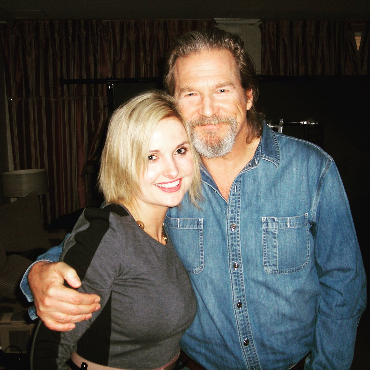 Just heard it is #nationalradioday! Seems like there is a 'day' for EVERYTHING! Thought I'd share my best and worst interviews of all time! #charisma goes to... #JeffBridges pic.twitter.com/hnqu3W6eIc