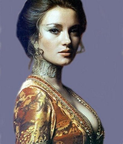 Happy 69th birthday to Jane Seymour aka Solitaire - my favourite Bond film.