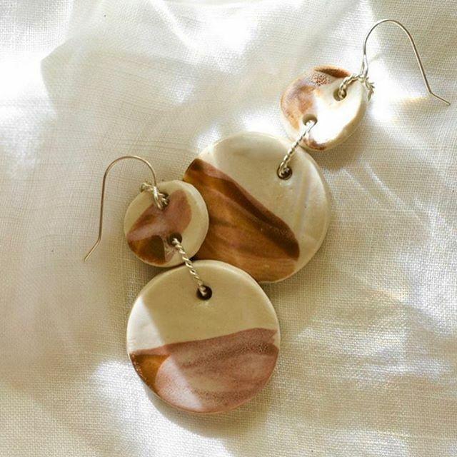 Ahh @ochreceramics you so dreamy. ⠀ .⠀ .⠀ .⠀ ⠀ #handmadeau #ceramicsstudio #ceramicsofinstagram #supportsmall #potterystudio #makersmovement #potterylover #potterymaking #ceramicsaustralia #prettylittlethings #chooselovely https://ift.tt/384wzE4pic.twitter.com/gzmQtgB4NI