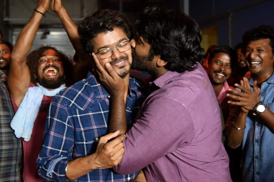 Master Scene Vijay and Vjiaysethupathi Happy Moments #thalapathy #makkalselvan #vijay #vijayfans #vijayfan #vijayfanskerala #vijayfanspage #vijayfansforever #vijaysethupathi #vijaysethupathy #vijaysethupathispeech #vijaysedhupathi #vijaysethupathi #vijaysethupathyfanpic.twitter.com/DvI17NjQjq