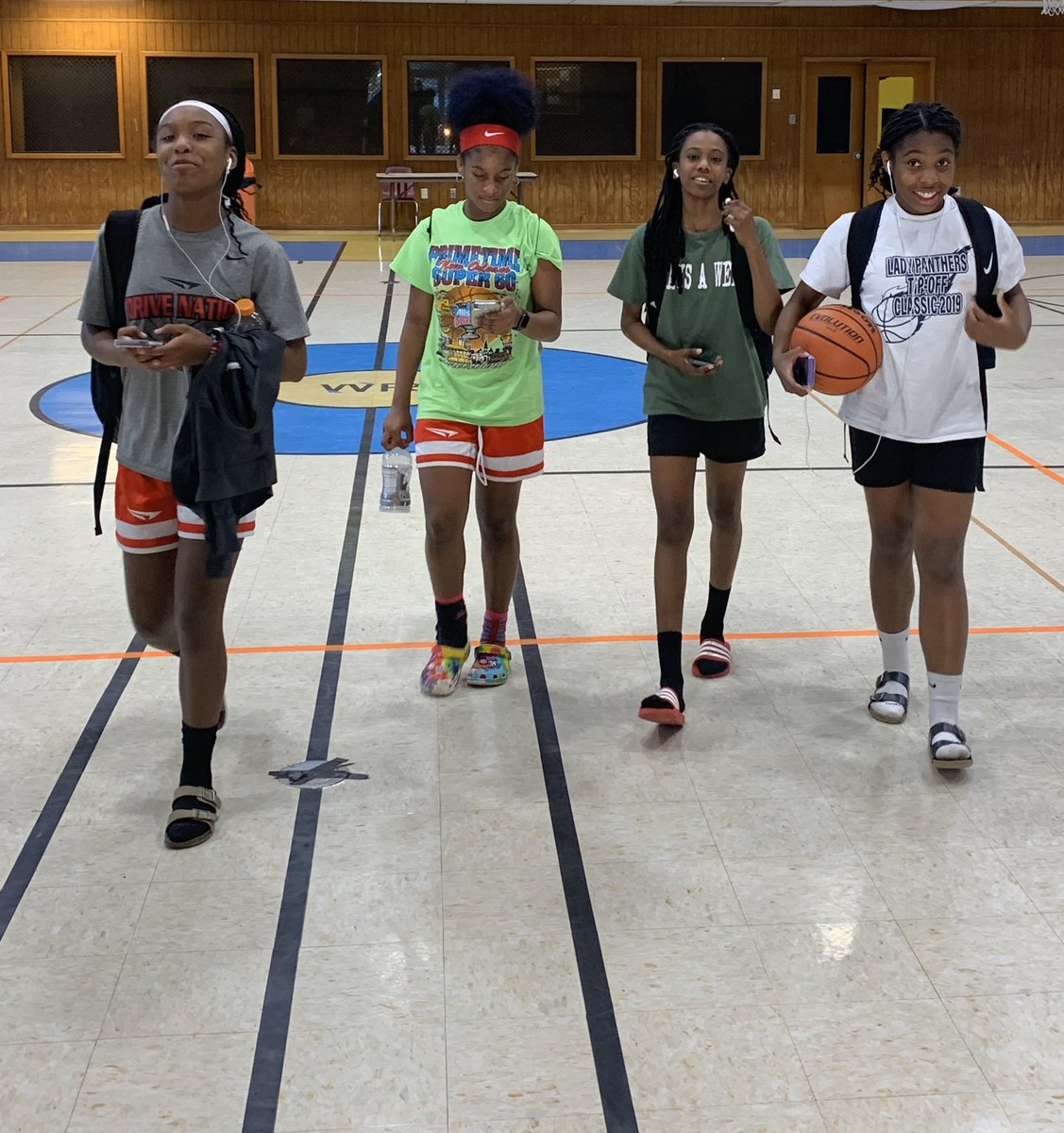 Louisiana U 2025...The girls got some good work in; chemistry is 🔑...... #LAUfam #grassrootsbasketball #louisianabasketball #UA #TexasU #UAfuture #GUAA https://t.co/dKTDdtmGen