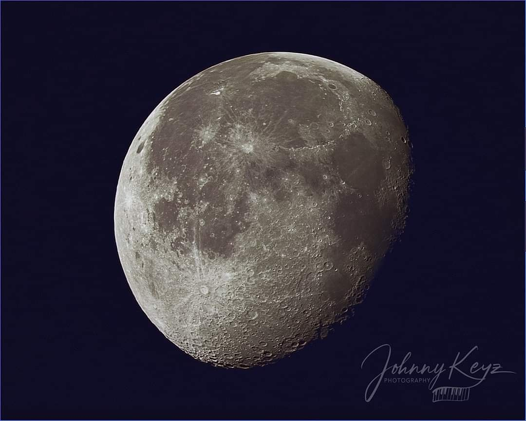 Waning Gibbous Moon from a couple of weeks ago. #moon #Astrophotography #astronomy #photography @LynetteRomero @TamronUSA @NikonUSA @NatGeoPhotos @ABC7 @CBSLA
