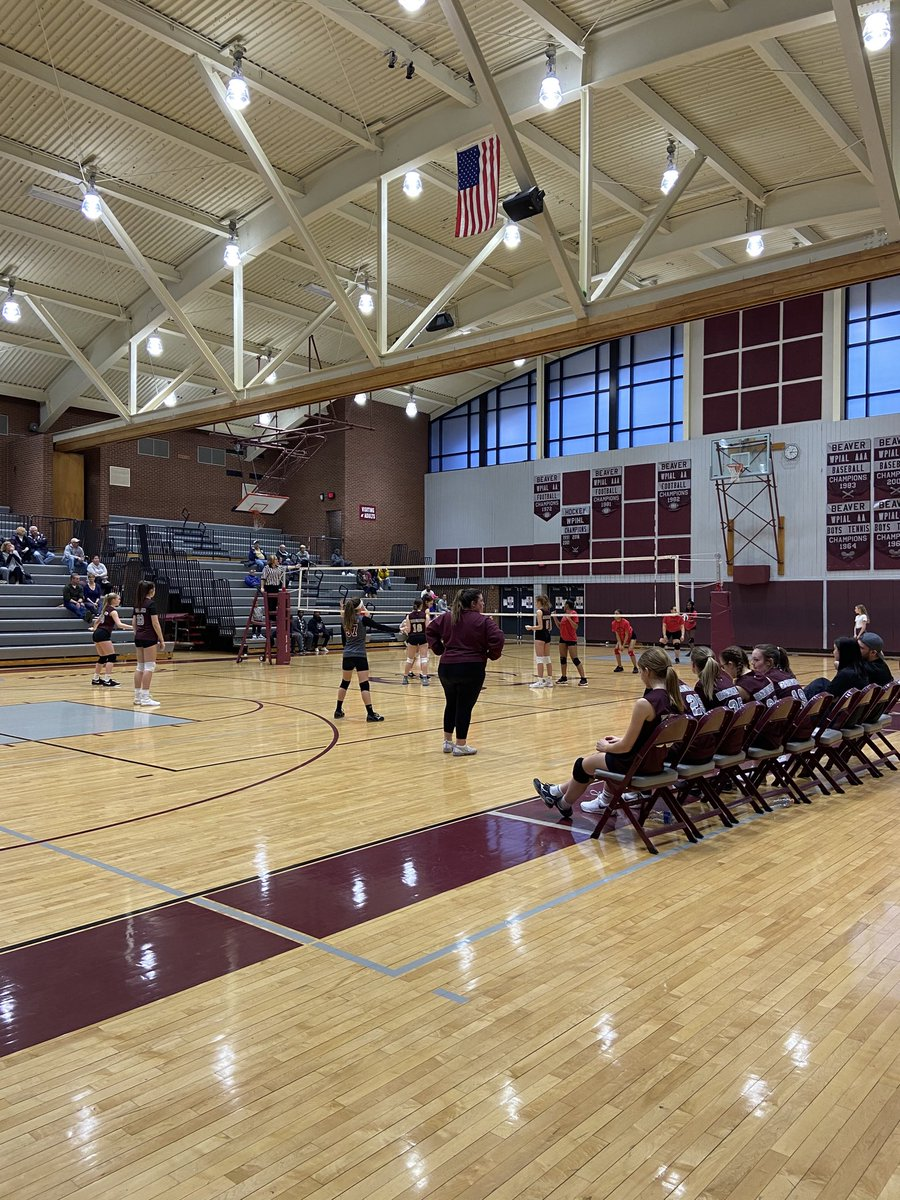 Beaver middle school girls volleyball in action today as they host Aliquippa. Go Lady Bobcats! #BobcatPride <br>http://pic.twitter.com/ReQ65EmrhR