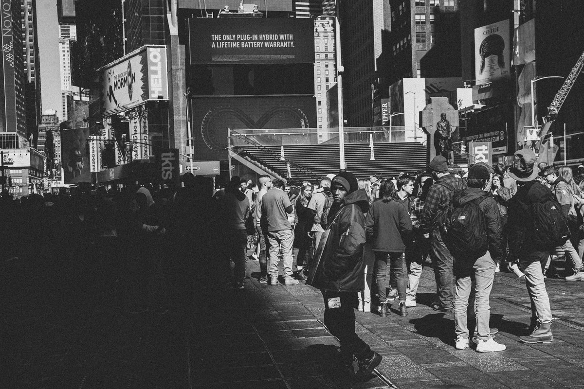 Some old shots from Saint Patrick's Day 2018. Normally I steer clean of Time Square, but I'm glad I didn't this time.  . . . . #canon #monochrome #photography #photooftheday #blackandwhitephotography #nyc #timesquare #sigma50mmart #streetphotography #documentarian #stpatricksday