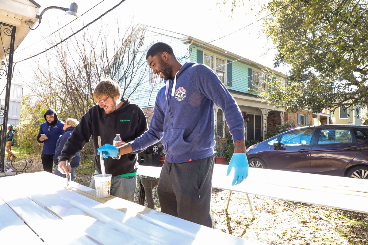 We partnered with @BCBSLA  and @RT_NewOrleans to help Jack Dee, a veteran in our community, by renovating his house to make it safe and accessible.  🏡@ETwaun55 & @PierreTPelican also stopped by to lend a helping hand!  For more photos ➡️