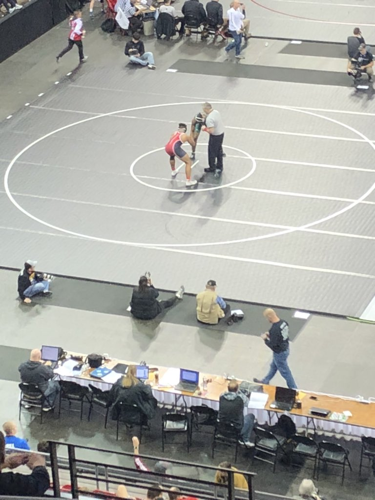 Mika Gutoski lost his first match at 220 and will wait to see if he gets a wrestle back. #1fort<br>http://pic.twitter.com/8wC80A0J7o