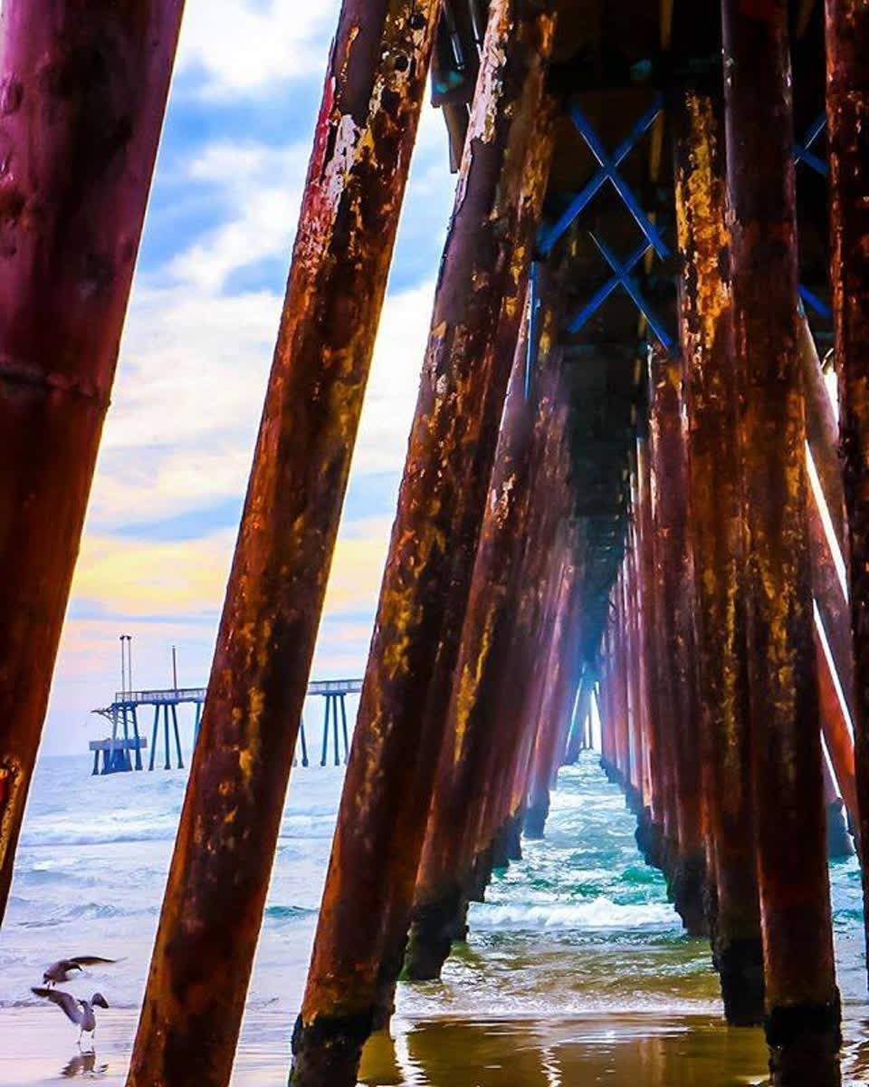 No hay nada más relajante que caminar por la playa y escuchar el suave sonido de las olas ¡#Rosarito te espera! 🌊  📷liz.eye . . . #Baja #BajaCalifornia #DescubreBaja #DiscoverBaja #BC #Playa #Beach #Ocean #Sea #Mar #Sky #Skies #Blue #Water #Relax #Sand