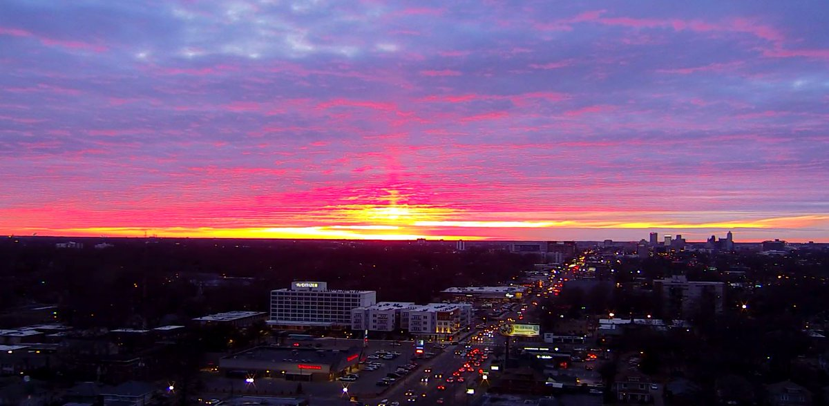 Memphis sunset on fire tonight. Anyone else snap a good shot of it? #wmc5 #sunset #tnwx