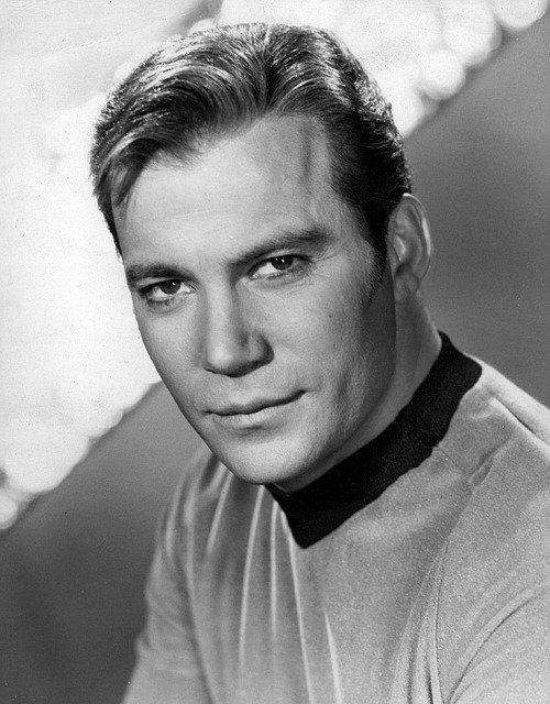 #ItsARealNoBrainer that Kirk is a better Captain than Picard. <br>http://pic.twitter.com/R6DFzYXTSd