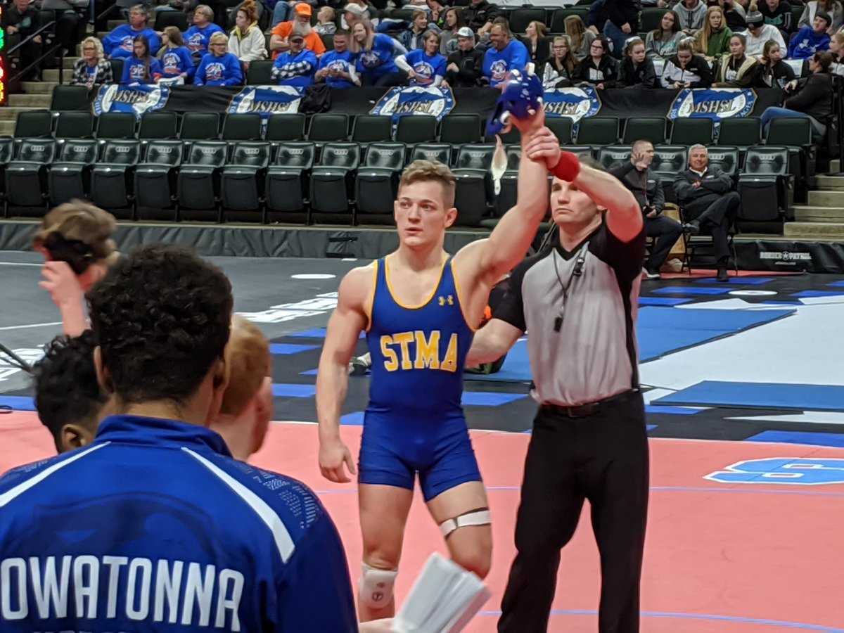 Lidberg records the tech fall for the Knights. This was his final match in a team dual for your Knights. Great win tonight and solid leadership throughout the season by the Senior Captain. Well done you man! <br>http://pic.twitter.com/d15SbANR3C