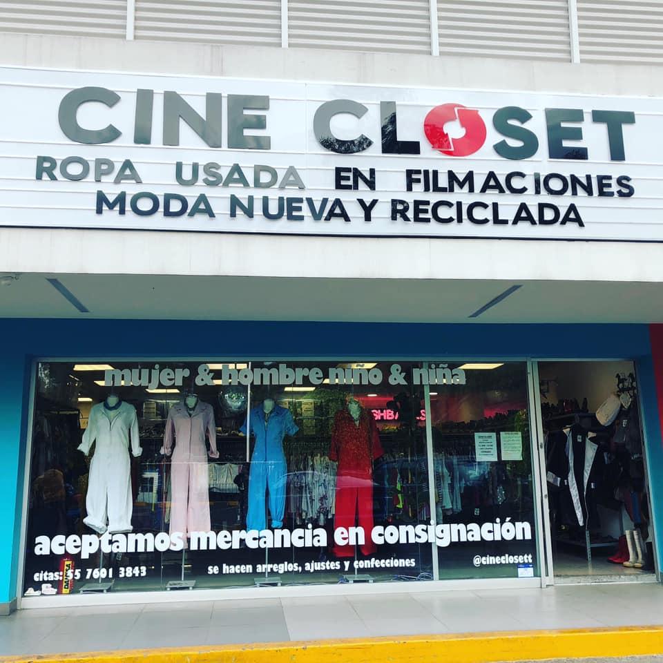 """Llegó mi momento de triunfar   Miren esta tienda. Está en Miguel Angel Buonaroti 170, en Mixcoac, CdMx. Quiero que Jairo y Miyagi me critiquen cuando llegue con mi ropa usada de """"La Ley de Herodes"""" o """"El Infierno"""" ay papáaaa bien chingón papáaaa pic.twitter.com/k5H8bbsoPs"""