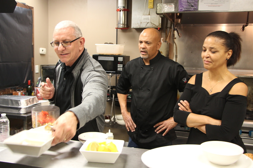 Coming up! 1 hour until #RestaurantImpossible on the east coast. Tune in! <br>http://pic.twitter.com/jhwIOaXsFw