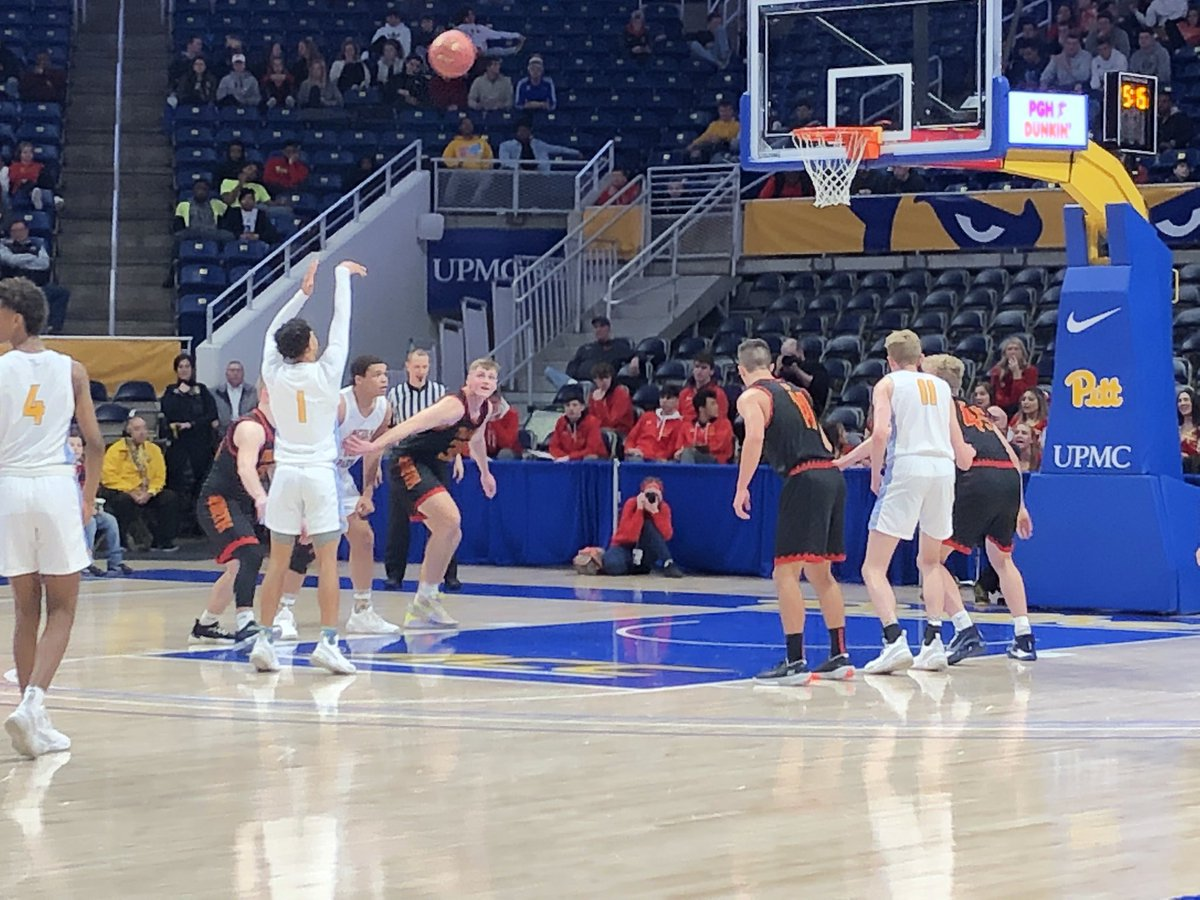 WPIAL AAA Championship   North Catholic 23 Lincoln Park 29  Halfpic.twitter.com/5T8v2LaD7f