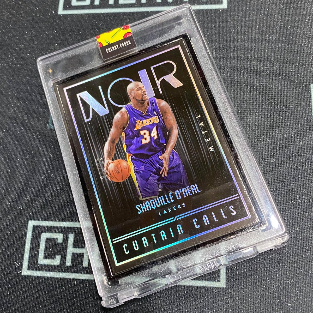 The Big Aristotle. NOIR delivers the big fella. #sportscards #whodoyoucollect #thehobby #shaq #paniniamerica #groupbreaks #lakersnation #lebron #rookiecards #kobe #autograph #casebreaks #basketballcards #showyourhits #lukadoncic #hobbystore #cherrycards pic.twitter.com/m7ZWHywXfL