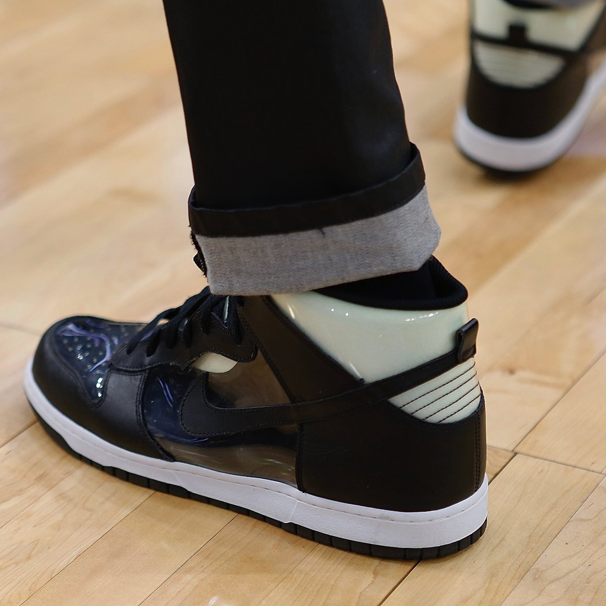LeBron James on the bench in the Comme des Garçons x Nike Dunk Hi! #NBAKicks